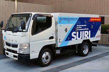 強固な汚れには、ハイスペックな250 気圧の高圧洗浄車で対応。